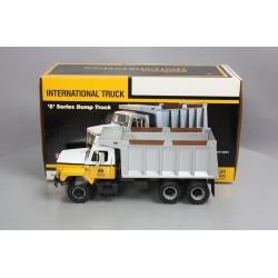 First Gear 40-0190 1:25 International Harvester - S-Series Dump Truck