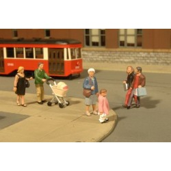 Bachmann 33109 HO Strolling Figures (6 People & a Baby Carriage)
