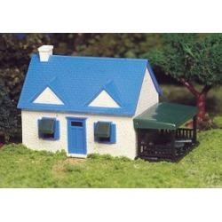 Bachmann 45131 HO Cape Cod House Kit  1-7/8 x 3  4.8 x 7.5cm