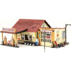 Woodland Scenics PF5203 N Scale Sonny's Super Service Building Kit