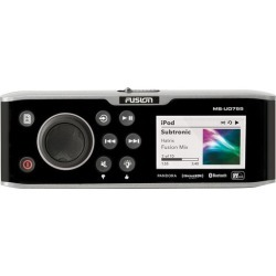 Fusion Marine Entertainment System with Internal UNI-Dock