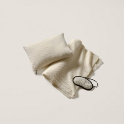 Ralph Lauren Cabled Cashmere Travel Set in Cream - Size One Size
