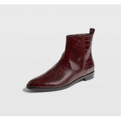 Club Monaco Burgundy Trycia Flat Boot in Size 40 found on Bargain Bro India from Club Monaco for $167.99
