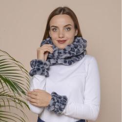 2 Piece Set - Leopard Skin Pattern Faux Fur infinity Scarf (Size 32x24cm) and Hand Cuffs (Size 9.5x12cm) - Blue