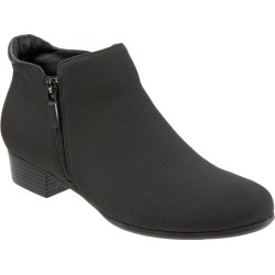 Trotters Major Women's Shoes Black Micro 9.5 Medium (B) found on Bargain Bro India from trotters for $139.95