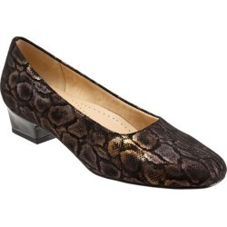 Trotters Doris Women's Shoes Black Micro Suede 7 Medium (B) found on Bargain Bro India from trotters for $94.95