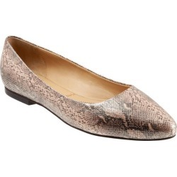 Trotters Estee Women's Shoes Bronze Snake 5 Medium (B) found on Bargain Bro Philippines from trotters for $135.00